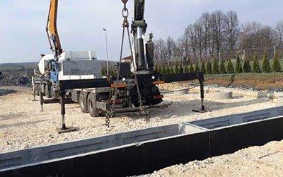 betonowy kanał samochodowy
